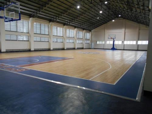 CASA DEL NIÑO MONTESSORI & SCIENCE HIGH SCHOOL HARDWOOD SURFACE